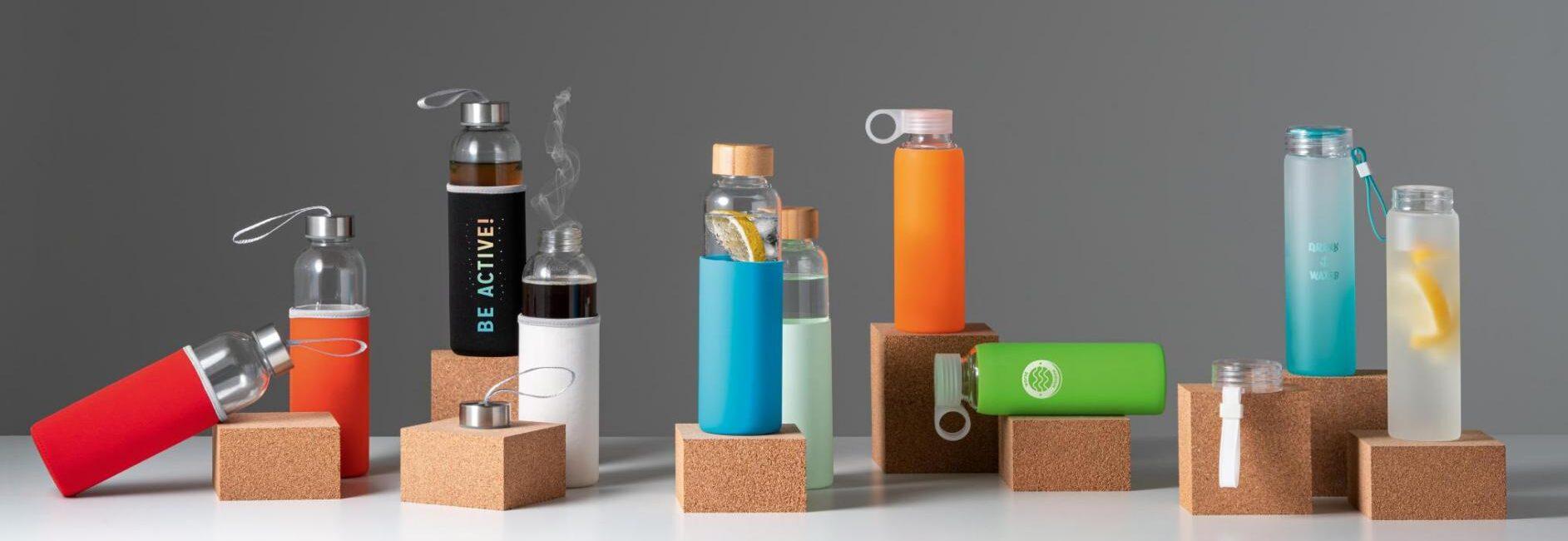 Botellas de vidrio.