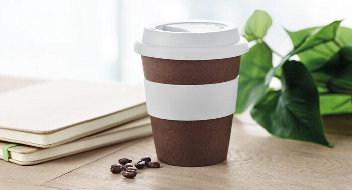 Vaso fabricado con posos de café